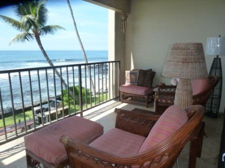 Yes!  The ocean is right there! - Direct Oceanfront Condo - Kailua-Kona - rentals