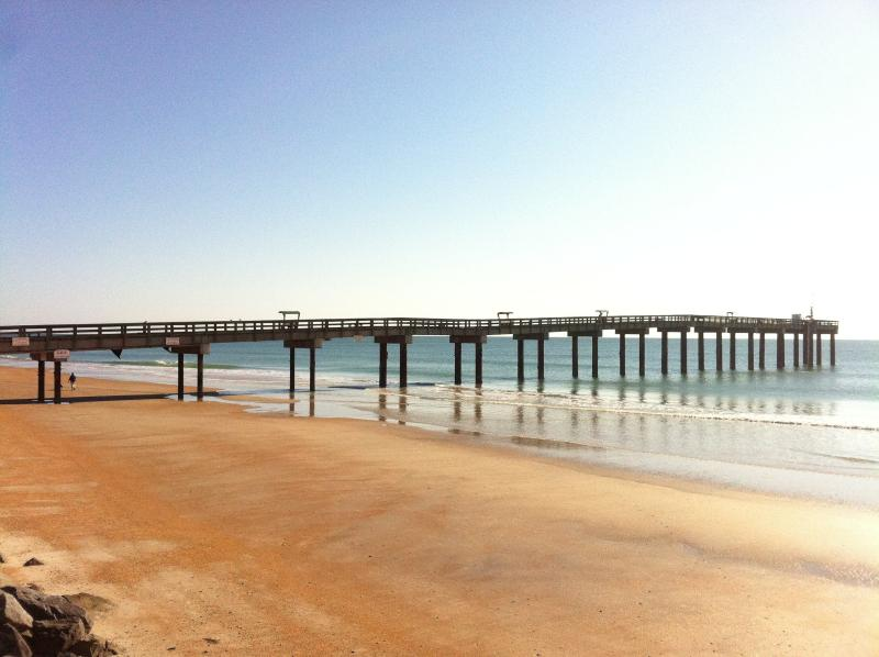 St Augie Beach pier is just 3 blocks away - Oceans 13 The Brad - Saint Augustine Beach - rentals