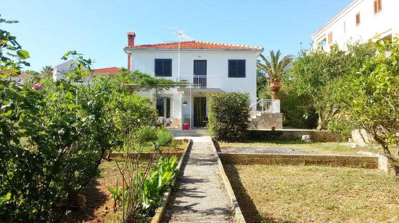 house - 8082  A1(2+1) rozi - Supetar - Supetar - rentals