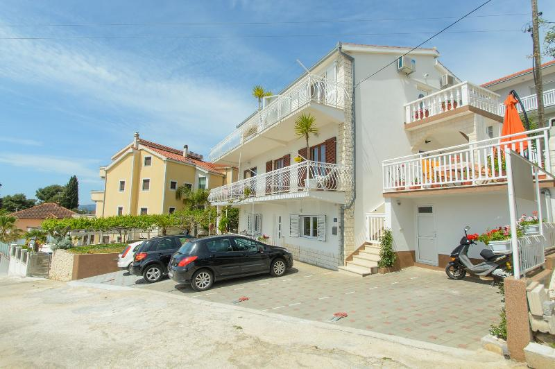 house - 35173  A1(5+2) - Okrug Gornji - Okrug Gornji - rentals