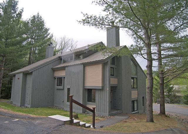 Exterior of Unit - Spring - C1081- Managed by Loon Reservation Service - NH Meals & Rooms Lic# 056365 - Lincoln - rentals