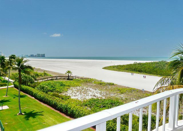 Front unit facing beach, w/ wraparound balcony for spellbinding views - Image 1 - Marco Island - rentals