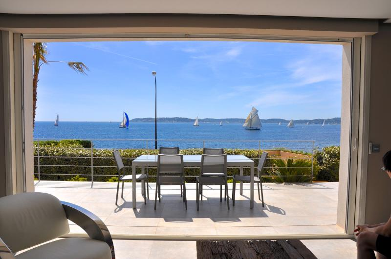 Welcome in our villa Ancre.. located in Sainte-Maxime - NEW VILLA with PANORAMIC SEA VIEWS, very CENTRAL ! - Saint-Maxime - rentals