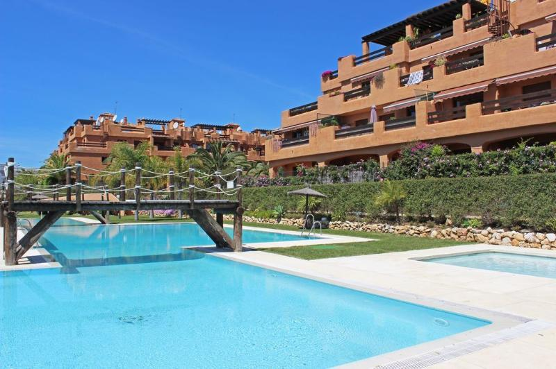 2 bed apartment, Playa del Angel, Estepona - 1720 - Image 1 - Estepona - rentals