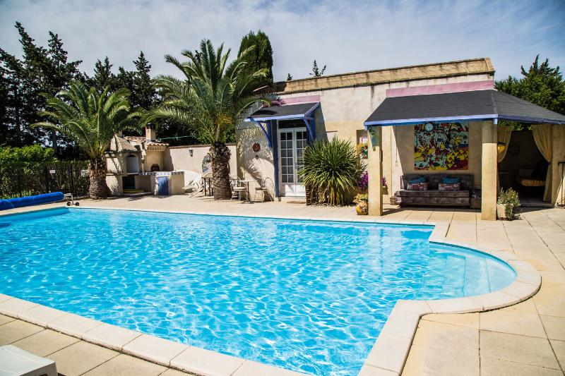 Le Kiwi-converted barn, sleeps 2, pool, Provence - Image 1 - Rognonas - rentals