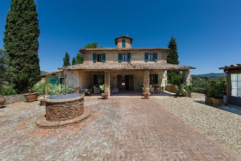 Villa La Quercia - Front Side - LUXURY TUSCAN VILLA IN CHIANTI WITH PRIVATE POOL, 20 MIN AWAY FROM FLORENCE - Impruneta - rentals