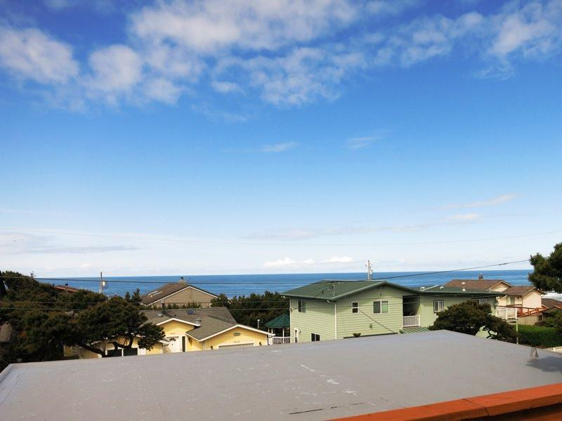 Sea Star - Deck view - SEA STAR - Lincoln City, Roads End - Lincoln City - rentals