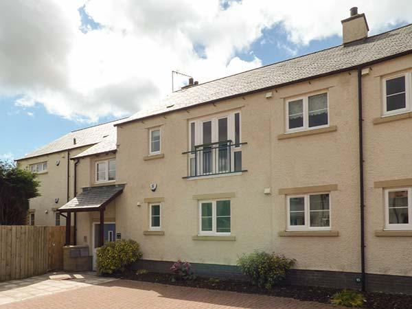 15 LAUNDRY MEWS, open plan living, WiFi, high quality accommodation in centre - Image 1 - Ingleton - rentals