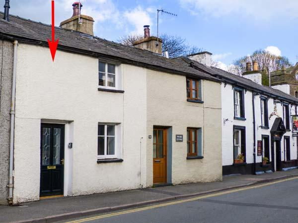 CHARLIE'S COTTAGE, open fire, pet-friendly, patio, in Staveley, Ref 921150 - Image 1 - Staveley - rentals