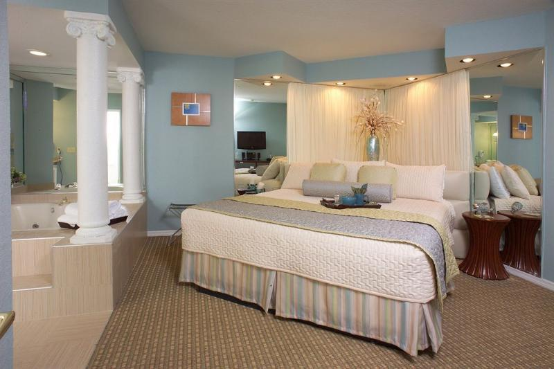 1-Bedroom Resort Condo Near Disney - Image 1 - Kissimmee - rentals