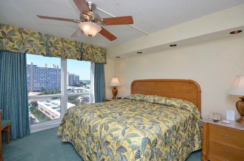 2 Bedroom Condo Next to Beach in Fort Lauderdale - Image 1 - Fort Lauderdale - rentals