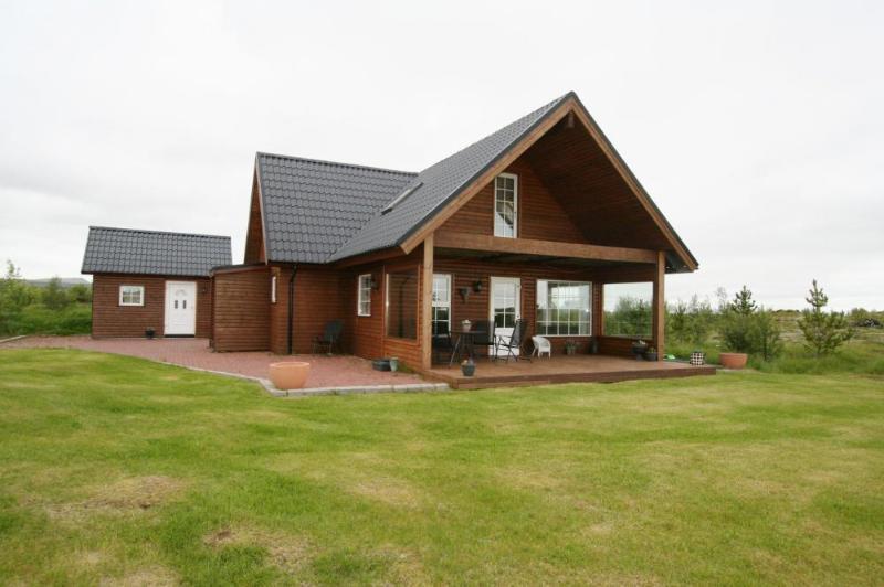 Merkurhraun - Warm Family cabin - Image 1 - Selfoss - rentals