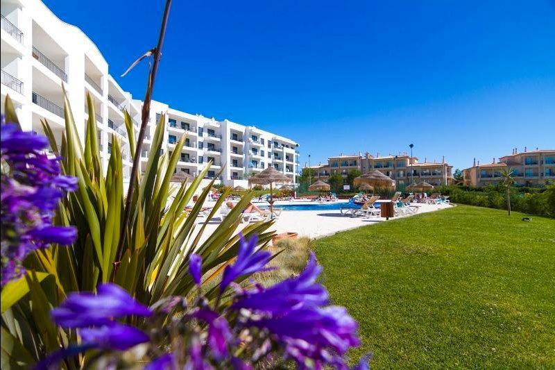 New 2 Bedroom Apartment in the Algarve - Image 1 - Albufeira - rentals