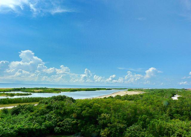 Tranquil beachfront condo w/ heated pool & magnificent ocean views - Image 1 - Marco Island - rentals