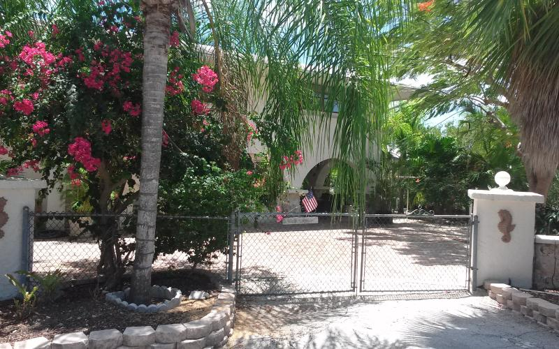 "Entrance to ""Sweet Magnolia"". - Beautiful Canal Home - Minutes From Open  Water - Big Pine Key - rentals"