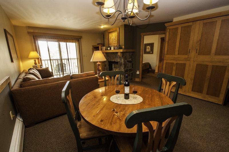 Red Hawk Lodge 2286 - Rare one bedroom, two bath, sleeps 6, amazing views, walk to slopes! - Image 1 - Keystone - rentals