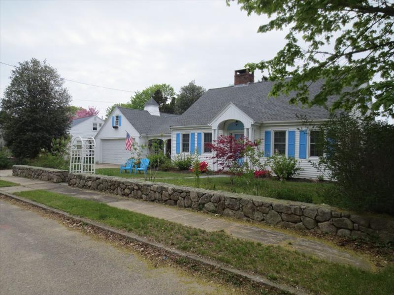 Exterior - NICE 4BEDROOM, WALK TO MAIN ST FALMOUTH 124563 - Falmouth - rentals