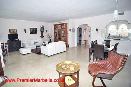 The very spacious lounge - El Presidente GARDENS; 3 Bed, Heated Pool + wifi - Estepona - rentals