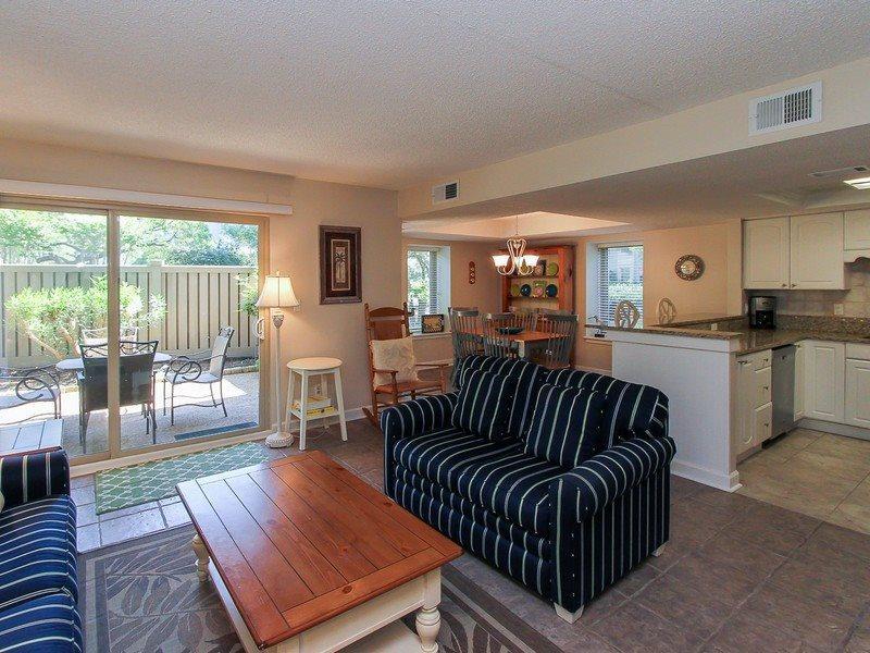 1704 Bluff Villa - 2 Bedroom  Vacation Condo in the South Beach area of Sea Pines - 1704 Bluff Villa - Hilton Head - rentals