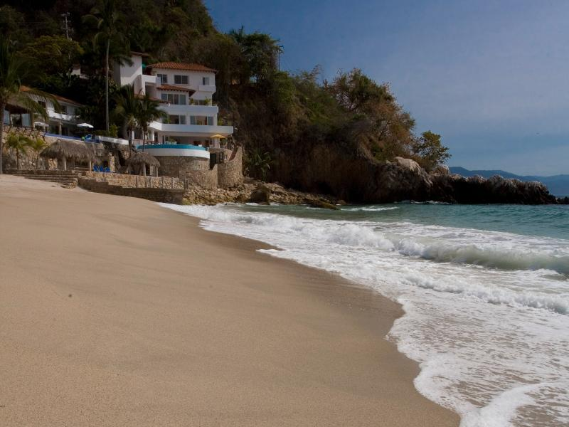 Villas Casa Salinas Beach - Family Villa on Los Gatos Beach 6 Bedrooms w/Cook - Puerto Vallarta - rentals