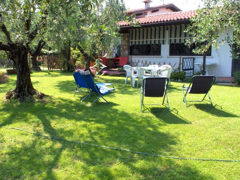 The house and the garden - villetta tra gli olivi del Garda 2/7  pax + ca - Moniga del Garda - rentals