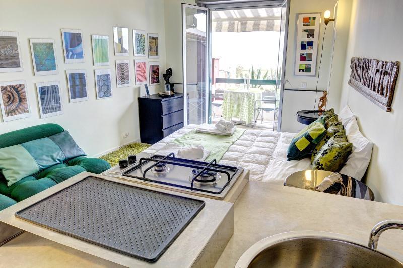 MANHATTAN DRY  - Sea Front Studio - Image 1 - Giardini Naxos - rentals