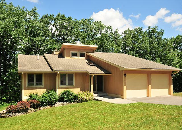 Exterior - Spectacular 5 Bedroom home with hot tub located in prestigious community! - Swanton - rentals