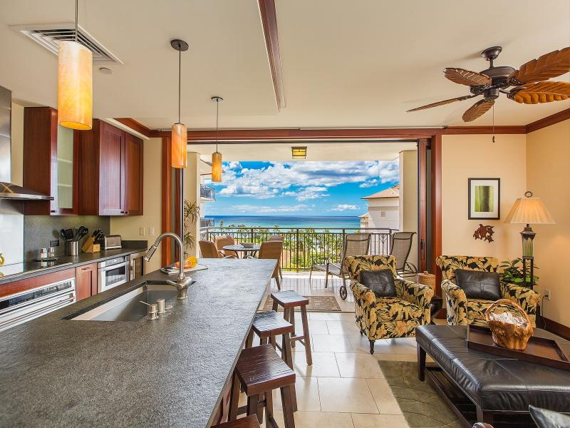 Kitchen living room ocean views - O-805: Hale Makai Ko Olina Beach Villa - Kapolei - rentals