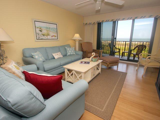 Living area - Island Club, 5204 - Hilton Head - rentals