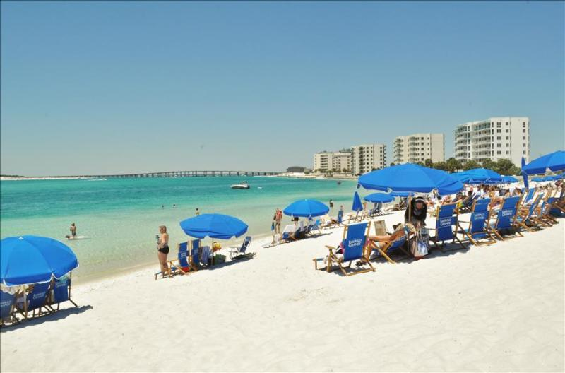 """""""19 GulfBreeze Court"""" Townhome close to the Jetties, Snorkel and Fishing Paradise!! - Image 1 - Destin - rentals"""