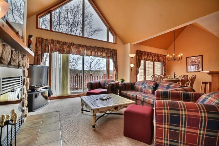 Wonderful 3 Bedroom & 2 Bathroom House in Mont Tremblant (Les Haut-Bois | 197-10) - Image 1 - Mont Tremblant - rentals
