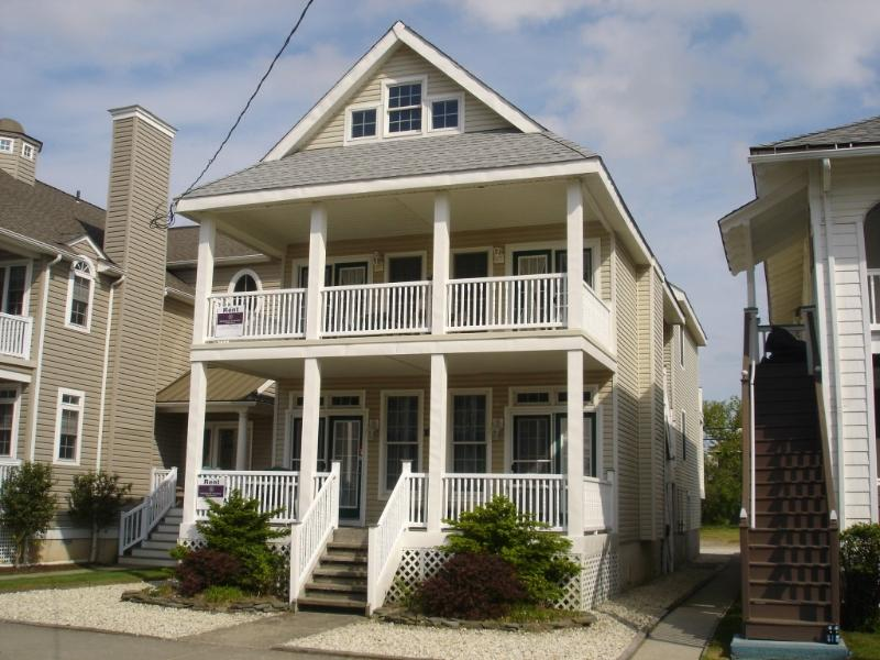 1015 Wesley Avenue 2nd Floor 113321 - Image 1 - Ocean City - rentals