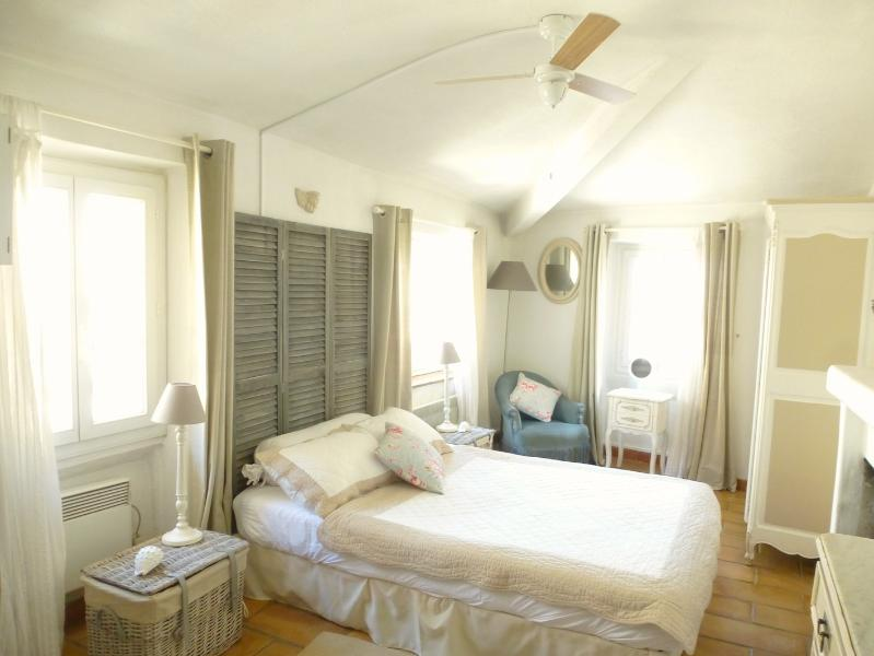 Kathy House sunny bedroom - Pretty Corner House in Heart of Village with WiFi - Cagnes-sur-Mer - rentals