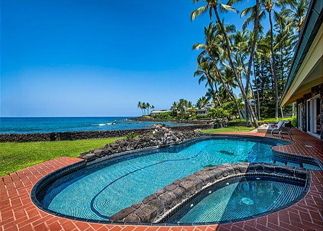 Oceanfront Pool & Jacuzzi - Oceanfront Luxury, ~AC~ in 5 King Beds+Bunkrm, Private Pool, Stunning Views - Kailua-Kona - rentals