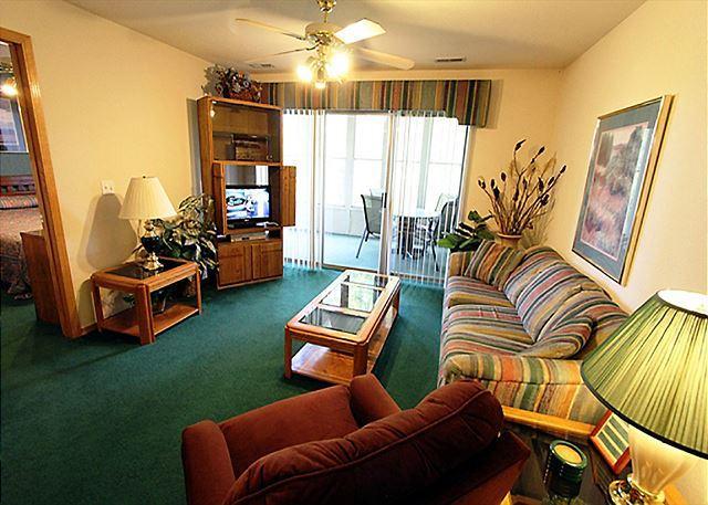 Living Room - Lakeside Getaway : Pet Friendly-3 Bedroom, 3 Bath, Table Rock Lake Condo - Hollister - rentals