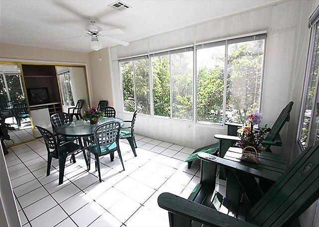 Sunroom - Fall Into Branson- 3 Bedroom, 3 Bath Condo on Lake Taneycomo - Branson - rentals