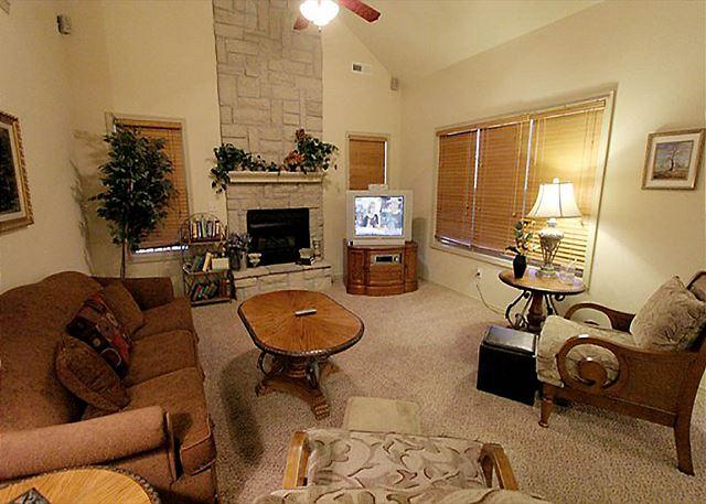 Living Room - Tranquility Place - Beautiful 3 Bedroom, 3 Bath Villa at Stonebridge Resort! - Branson West - rentals