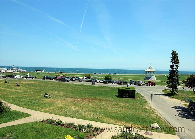 View form second floor bedroom deck - Victorian jewel on sought after Ocean Park in Oak Bluffs - Oak Bluffs - rentals