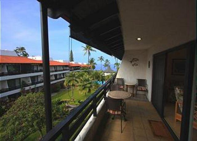 Casa De Emdeko 321 Remodeled , Wifi, Top Floor, AC included!! - Image 1 - Kailua-Kona - rentals