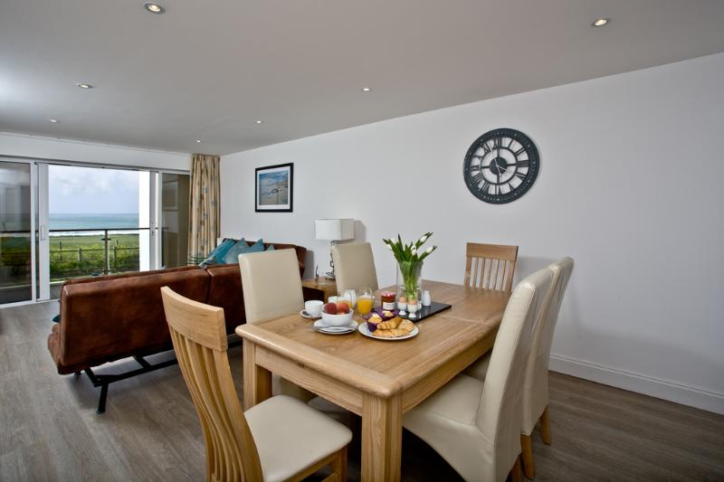 Bay View, 27 Bredon Court located in Newquay, Cornwall - Image 1 - Newquay - rentals
