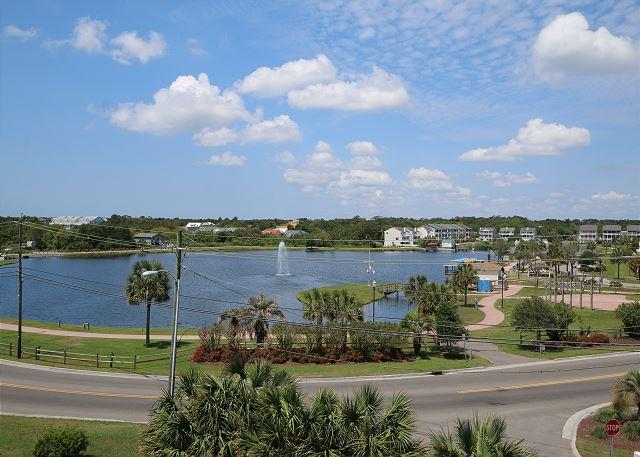 Carolina Lake Beach Villas B11 -  Unwind & relax at this cozy ocean view condo - Image 1 - Carolina Beach - rentals