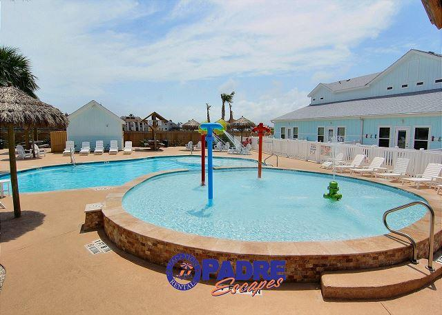 Beautiful Nemo Cay Resort pool - Gorgeous End-unit w/lots of extras including a Saltwater Pool - Corpus Christi - rentals