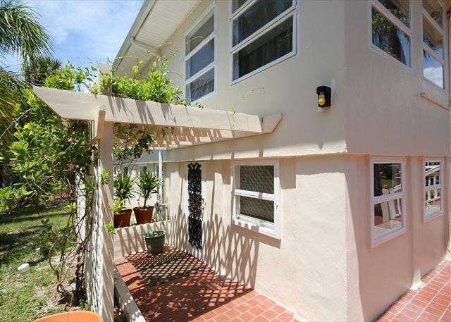 1930 Bayview Drive Upstairs - Image 1 - Fort Myers Beach - rentals