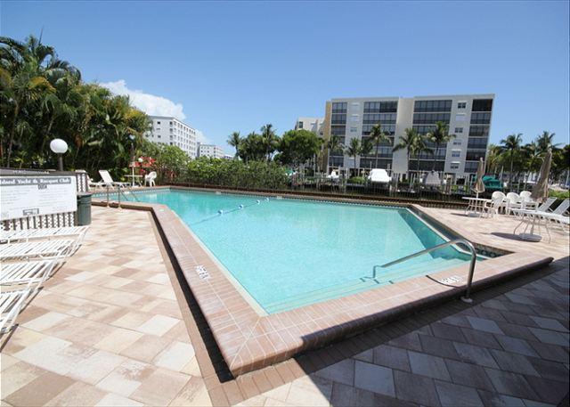 Estero Yacht & Racquet Club #325 - Image 1 - Fort Myers Beach - rentals