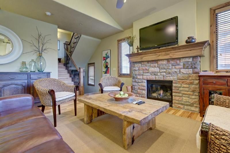 Mountain chateau w/ hot tub, close to slopes and shores! - Image 1 - Heber City - rentals