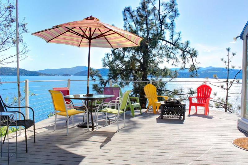 Fantastic lakefront home w/ great views, decks & cabana; dogs OK! - Image 1 - Coeur d'Alene - rentals