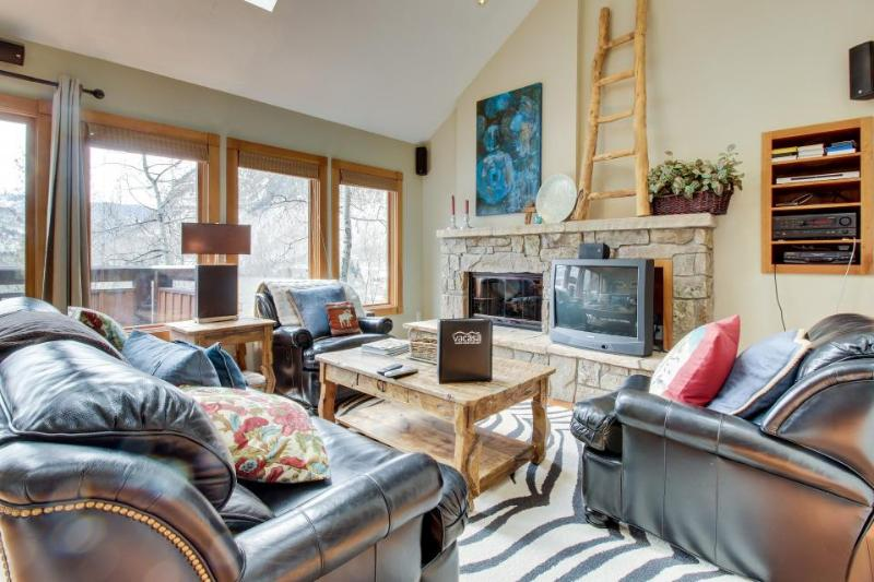 Open and contemporary lodging on shuttle route to skiing! - Image 1 - Vail - rentals