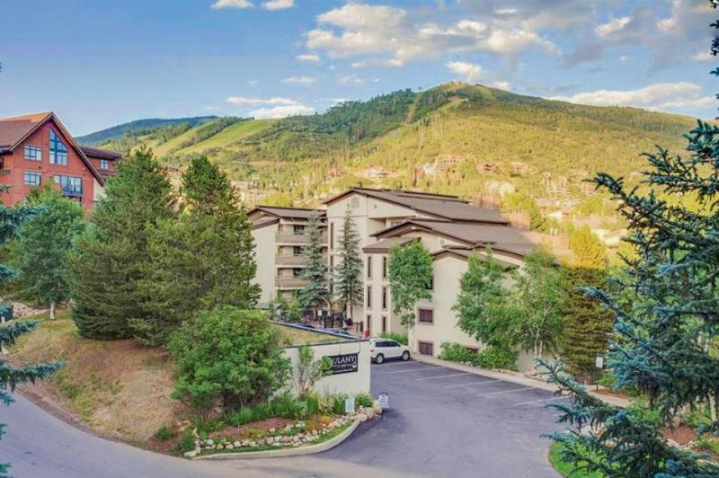Ski condo near gondola w/ pool, hot tub, & covered parking! - Image 1 - Steamboat Springs - rentals
