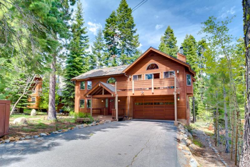 Roomy home w/ hot tub & access to private beach - perfect for families! - Image 1 - Tahoe City - rentals