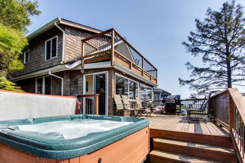 Charming beach house w/private hot tub & stellar ocean view! - Image 1 - Manzanita - rentals